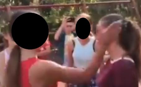 Adolescentă bătută crunt într-un parc din Capitală. Scandalul, publicat pe Facebook