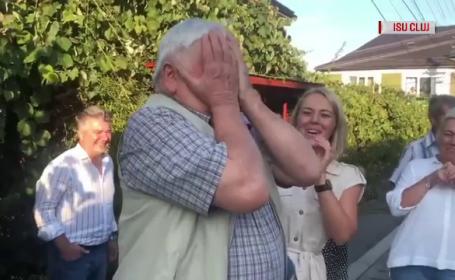 Un bătrân din Cluj s-a trezit cu pompierii în faţa casei, deşi nu ardea nimic. Când a aflat explicaţia, a izbucnit în lacrimi