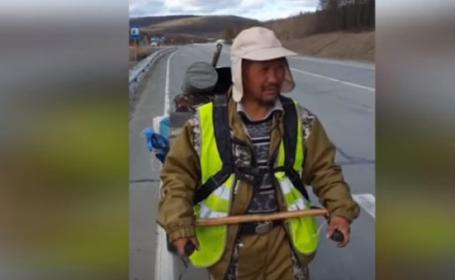 Șamanul care a mers pe jos 3000 de km ca să-l expulzeze pe Vladimir Putin a fost arestat