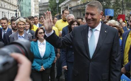 """Iohannis, după depunerea candidaturii la BEC: """"Am fost un fel de pompier atomic care a prevenit prăbușirea"""" - 2"""