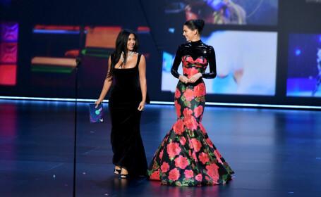 Surorile Kardashian, umilite la premiile Emmy. Momentul care a stârnit hohote de râs - 5