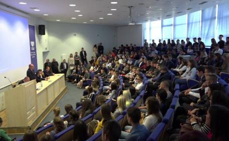 Noua politică a universităților străine, interesate să atragă studenți din România