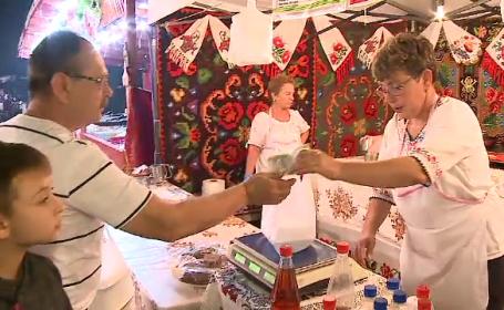 Gogoși americane printre pastramă de berbecuț și must, la un festival culinar din București