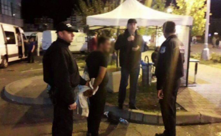 Oameni amenințați de un bărbat cu un cuțit la un festival din Baia Mare