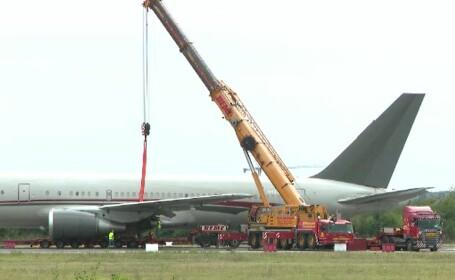 Autoritățile, puse la grea încercare de accidentul de pe aeroportul Băneasa. Cum a fost scos avionul de pe pistă