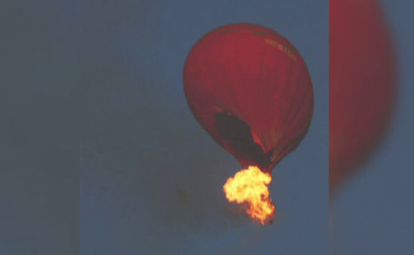 Incident tragic aer: Un mort și trei răniți după ce un balon a luat foc