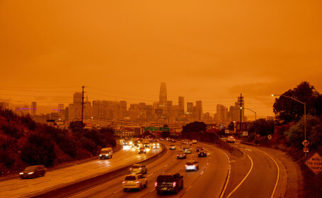 """""""Parcă m-am trezit pe Marte"""". Imagini post-apocaliptice cu cerul roșu din California"""