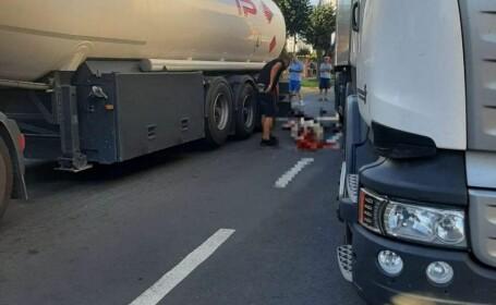 Accident îngrozitor în Făgăraș. O femeie a rămas fără picioare după ce a fost prinsă între două TIR-uri aflate în depășire