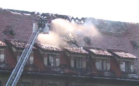Incendiu puternic la hotelul Triumf din Capitală. Ce s-a întâmplat cu turiștii care se aflau în clădire
