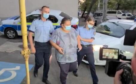 Imagini greu de privit. O femeie din București s-a filmat în timp ce își lovea fetița