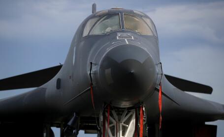 Avion de vânătoare la baza americană din Guam