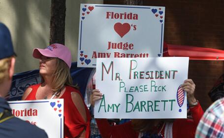 Donald Trump intenţionează să o numească la Curtea Supremă pe Amy Coney Barrett