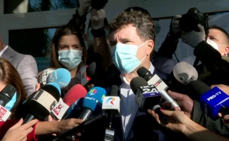 Cu măști și dezinfectanți, politicienii au votat de la primele ore ale dimineții. Ce au spus cei mai importanți lideri