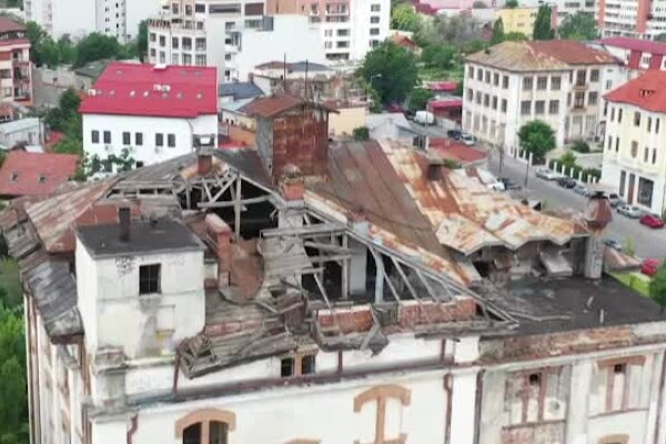 Clădiri monument din România, ajunse în ruină. Fabrica de bere Rahova, distrusă de nepăsare
