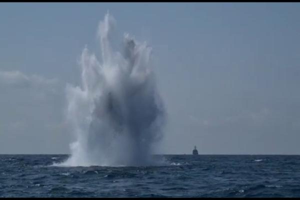 Marinarii militari români au detonat o mină din Al Doilea Război Mondial, în largul Mării Negre