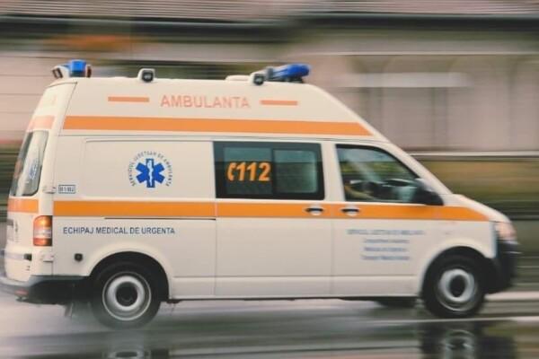 Un sucevean a încercat să se sinucidă băgând o sârmă în priză, după care s-a înjunghiat, dar a fost salvat de soție