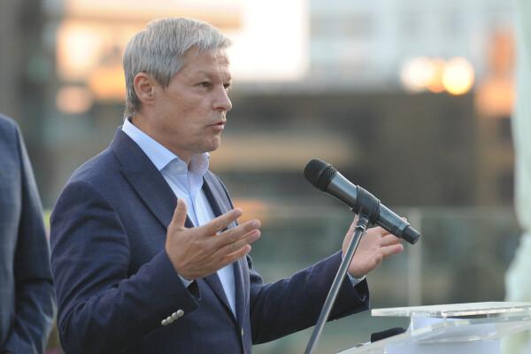 """Dacian Cioloș: """"Fac un apel la PNL să nu fugă de responsabilitate, USR va propune un guvern"""""""