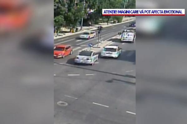 Accident violent, pe un bulevard din Timişoara. O maşină s-a răsturnat