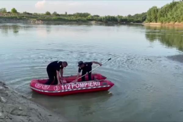 Echipajele de salvare din Galați caută 2 copii în apele râului Siret. Un localnic a anunțat poliția
