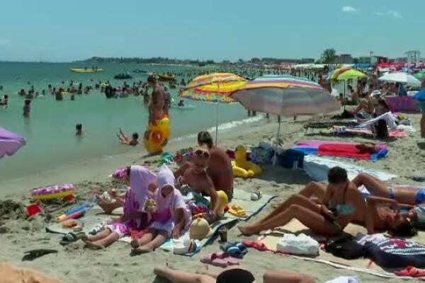 Se anunță un weekend extrem de aglomerat. Circa 150.000 de oameni vor fi pe litoral