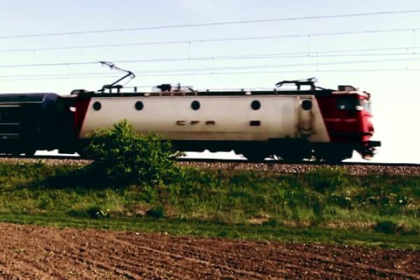 Dezastru în trenurile CFR. Oamenii călătoresc în condiții inumane, fără aer condiționat și în mizerie
