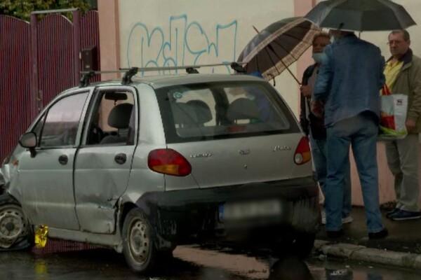 Accident violent în Buzău, cu trei mașini implicate. O femeie și-a pierdut viața