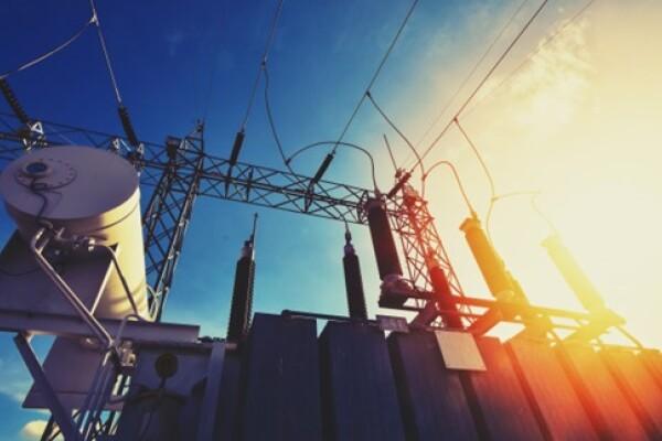 Parlamentarii vor să plafoneze prețurile energiei pentru 6 luni, în loc să aprobe ordonanța Guvernului