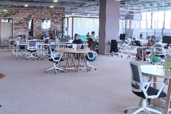 Spațiile de co-working câștigă rapid teren în România – ce avantaje oferă față de un birou normal