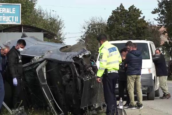Distracție încheiată cu un accident groaznic în Mureș. Un tânăr a murit, trei au ajuns la spital