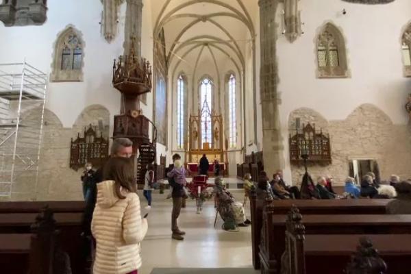 """Catedrala Evanghelică din Sibiu și-a redeschis porțile pentru localnici și turiști: """"Este o clădire tare frumoasă"""""""