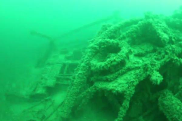 Epavele a trei corăbii foarte vechi au fost descoperite în largul Mării Negre