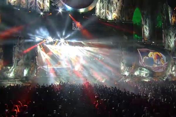"""Peste 56 de mii de tineri au petrecut împreună, la Cluj, în prima zi a festivalului """"Untold"""""""