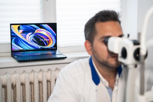 (P) Ecranul OLED te ajută să eviți problemele oftalmologice