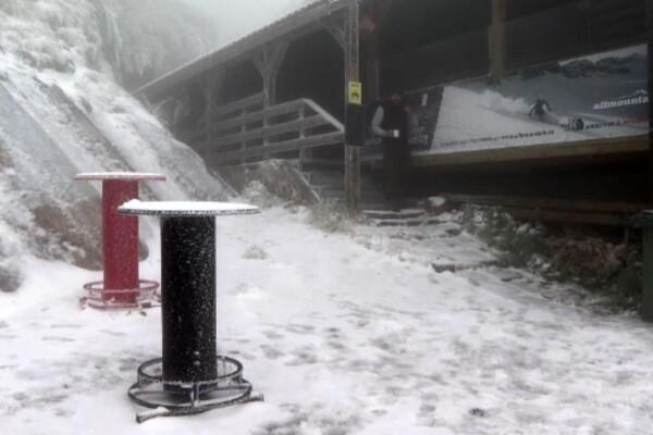 Zăpada și gheața au pus stăpânire în multe regiuni ale țării. De când se îndreaptă vremea