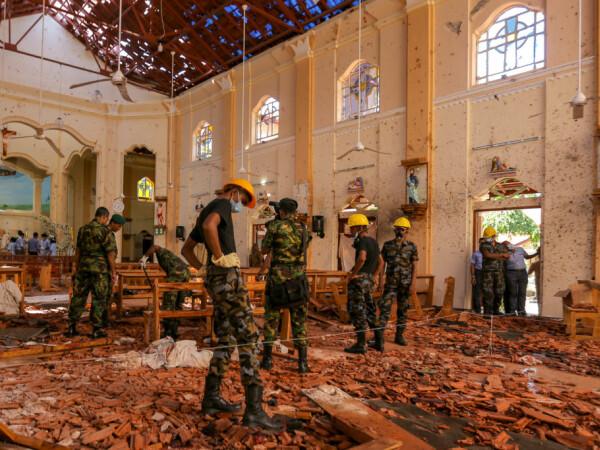 Atentat in Sri Lanka in ziua de Paste: imagini din biserica Sfantul Sebastian din Negombo