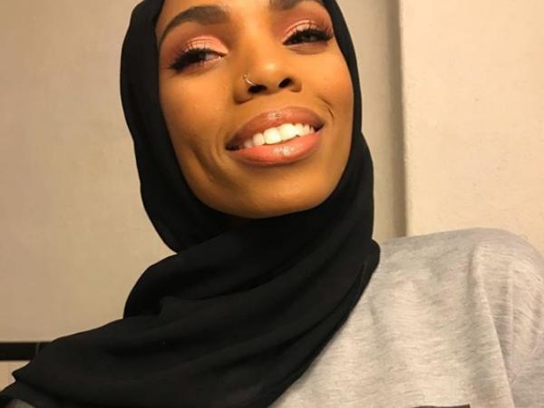 Imaginile cu o femeie musulmană care au devenit virale