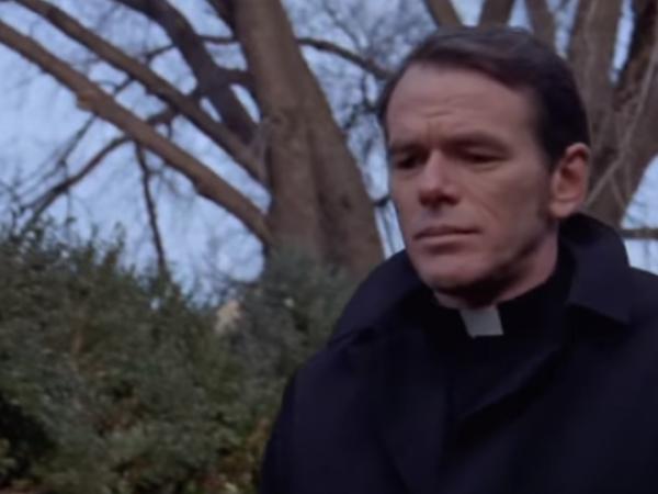 """Preot care a apărut în """"Exorcistul"""", acuzat de hărțuire sexuală"""