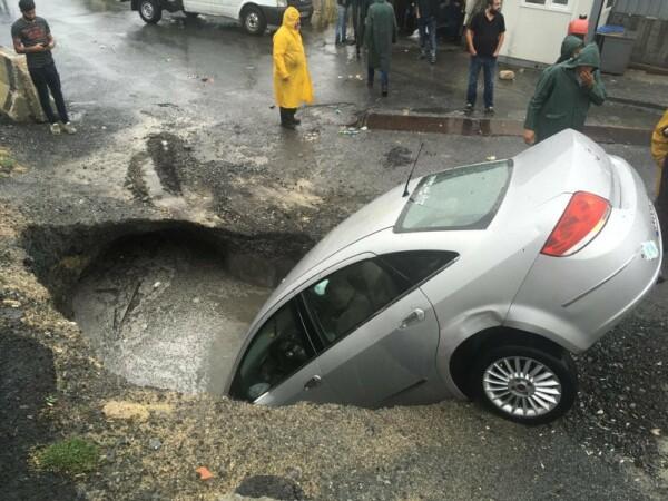 Inundaţii masive în Istanbul