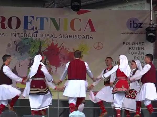 Festivalul Proetnica îmbracă în haine de sărbătoarea cetatea Sighișoara