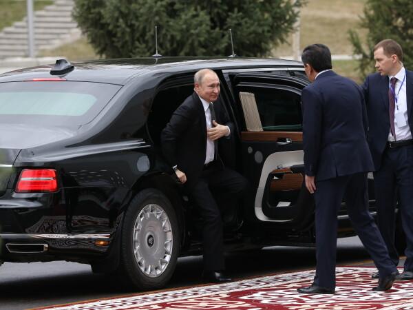 Ce preț are limuzina cu care se plimbă Vladimir Putin. Oricine o poate cumpăra