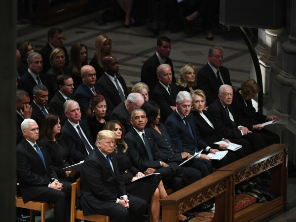 Soții Trump, Obama, Clinton și Carter, la funeraliile lui George Bush Sr.