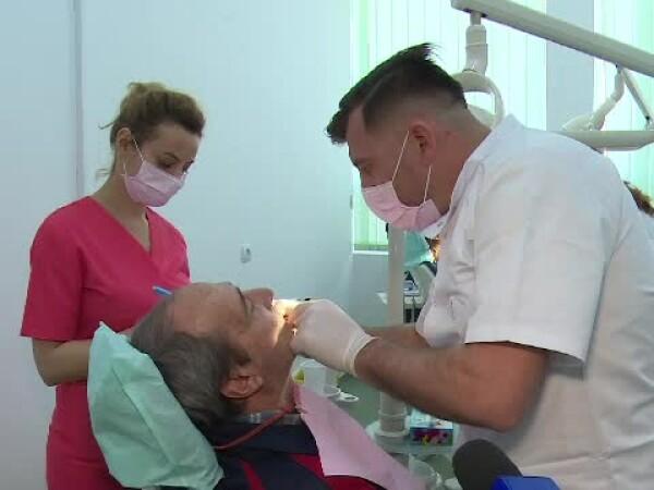 dentisti, stomatologi