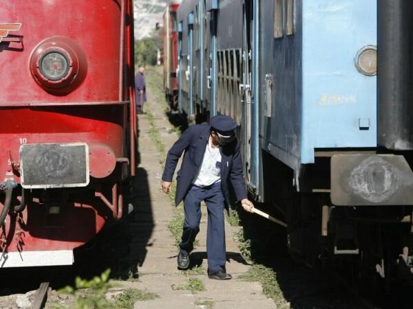 Cum vrea Guvernul să rezolve aglomerația din nordul Capitalei cu trenul de Dragonul Roșu