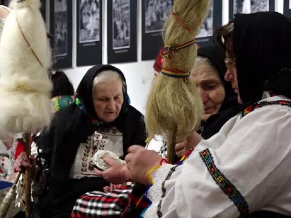 Șezătoare ca pe vremea bunicilor, la Muzeul de Etnografie din Baia Mare