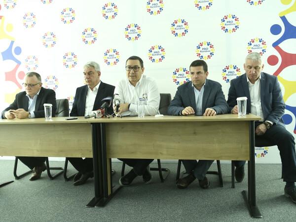 Pro Romania, Victor Ponta, Adrian Tutuianu