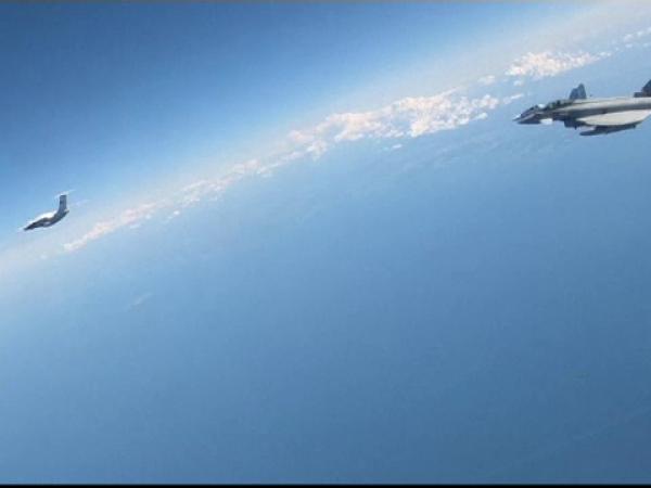 Opt avioane militare rusești, interceptate în Estonia
