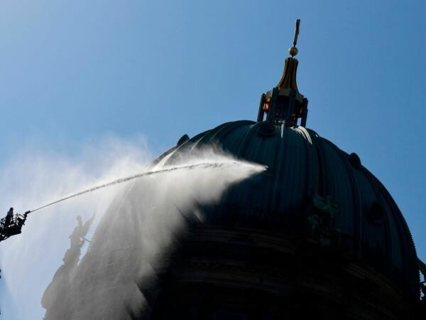 Exercițiu de amploare al pompierilor la Catedrala din Berlin