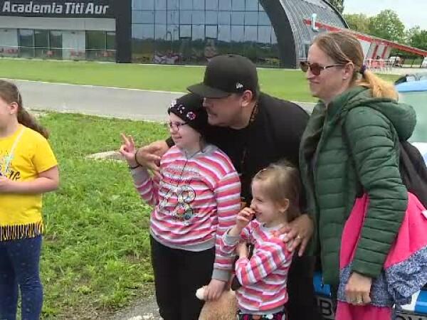 Mihai Bobonete si copii Hospice Casa Sperantei