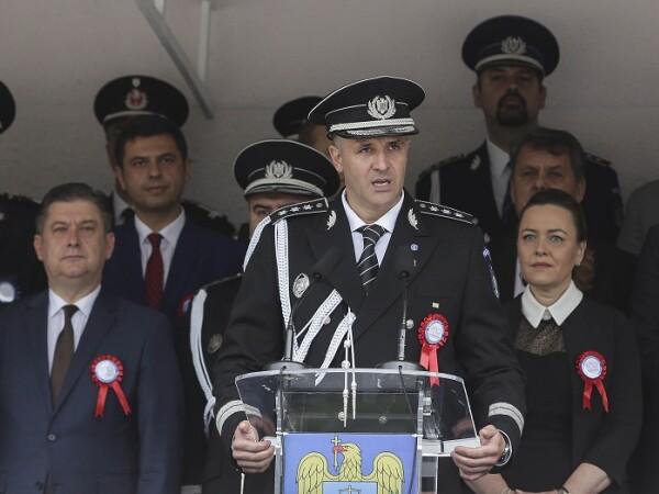 Academia de Politie - Adrian Iacob si Carmen Dan