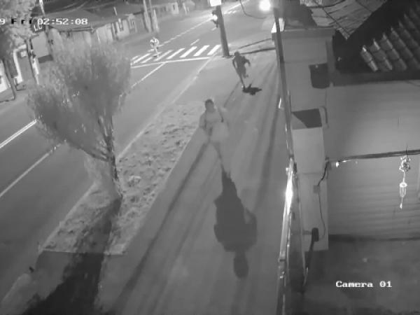 Bărbat înjunghiat în inimă, pe stradă, la Galați
